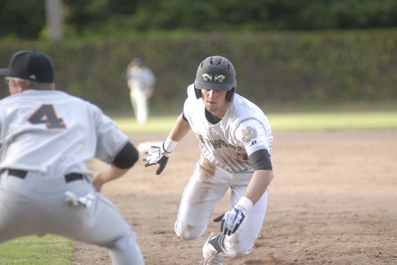 GRESHAM OUTLOOK: MATT RAWLINGS - Aaron Simpson dives back to first in Gresham's 11-5 victory