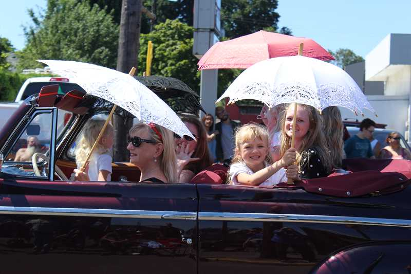 PEGGY SAVAGE - Molalla's July 4th Giant Street Parade 2017