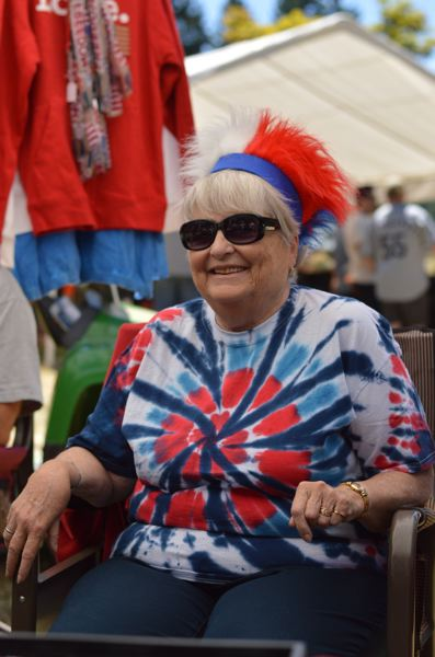 ESTACADA NEWS: CLARA HOWELL - Cecile Thompson runs Eagle Creek jewelry booth and this is her second year at the festival.