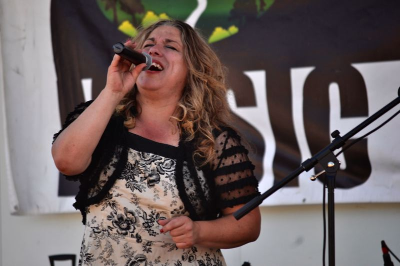 POST PHOTO: BRITTANY ALLEN - The Rae Gordon Band, a blues group from Oregon, closed out the show at the 2017 Sandy Music, Fair and Feast.