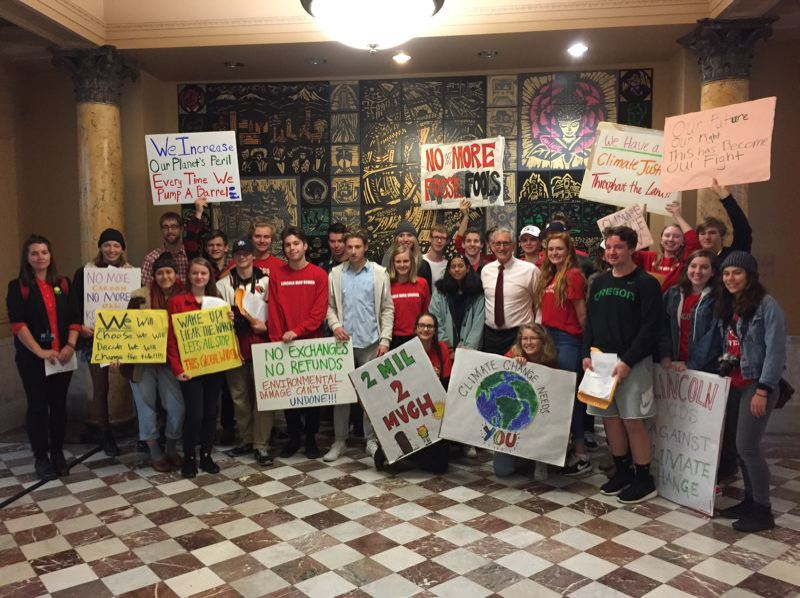 COURTESY MAYOR HALES OFFICE - Students show their support for former Mayor Charlie Hales' policies to address climate change. Hales championed the ordinance sharply restricting the growth of fossil fuel terminals in the city.