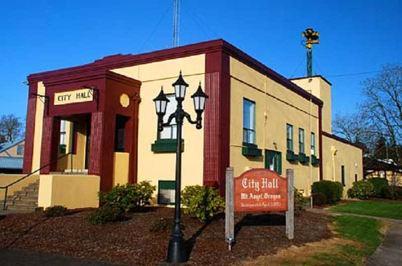GARY HALVORSON, OREGON STATE ARCHIVES, VIA WIKIMEDIA COMMONS - The city's current city hall, pictured, is 88 years old and built of hollow clay tile, a material that would be vulnerable in a seismic event.