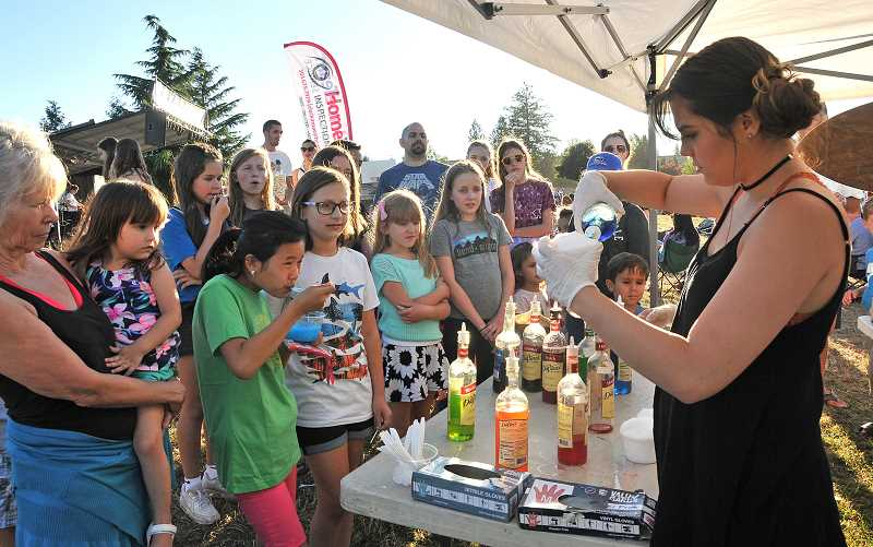 Concert goers waited in long lines for shaved ice.