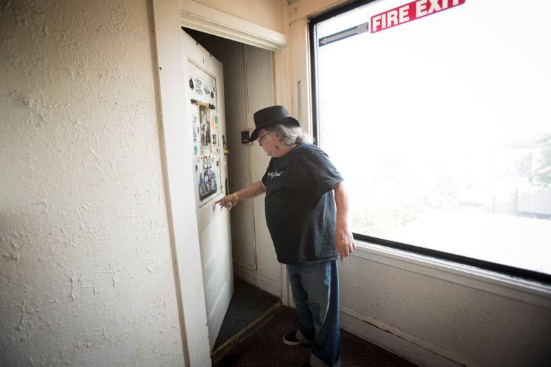 PORTLAND TRIBUNE: JAIME VALDEZ - After 12 years in prison for assault and battery, Alan was desperate for a place to live, until he found the Abbey Apartments, one of the few buildings in Portland where ex-convicts and registered sex offenders are welcome.