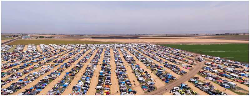 PHOTO BY DAVID BROWNELL - By eclipse morning, SolarTown hosted approximately 35,000 people at its site along Dogwood Lane on Agency Plains.
