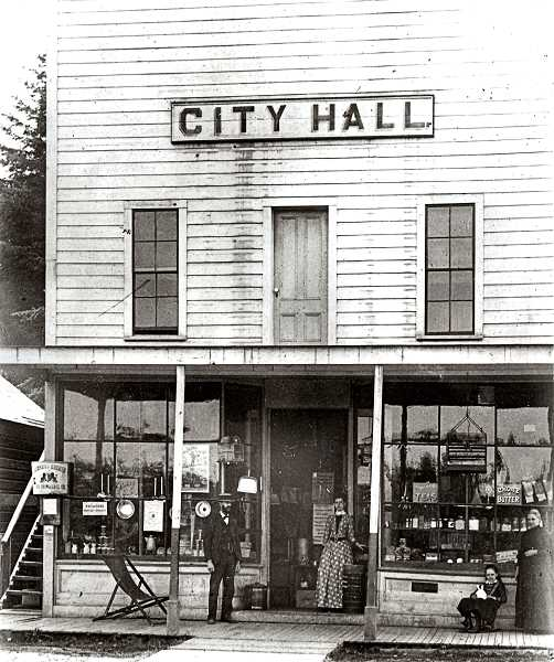 COURTESY OF OREGON HISTORICAL SOCIETY - This was the earliest general store in Sellwood, John W.Campbells. It was on the south side of the street between 11th and 13th on Umatilla. Sellwoods City Council (1887-1893) held regular meetings upstairs above the store. In 1906 Campbell sold his store to Hugh Knipe, who ran the store until 1929 when he became ill and died. Almost everyone in Sellwood at the time shopped at Knipes Grocery.