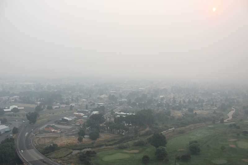 CENTRAL OREGONIAN - The local air quality committee wants to do a better job of warning residents when air quality is too poor to spend time outdoors during to wildfires.