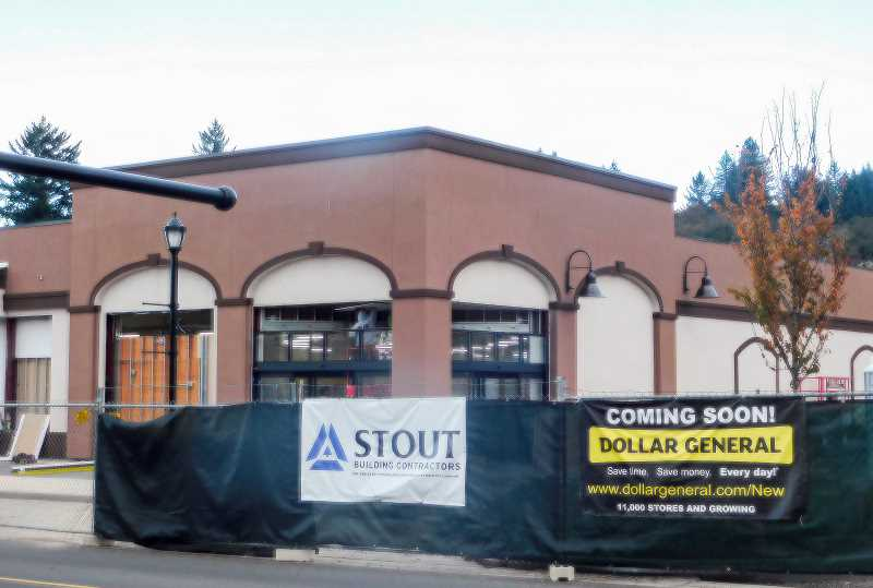 ESTACADA NEWS PHOTO: EMILY LINDSTRAND - Construction on the new Dollar General building in Estacada is expected to be complete sometime in December.