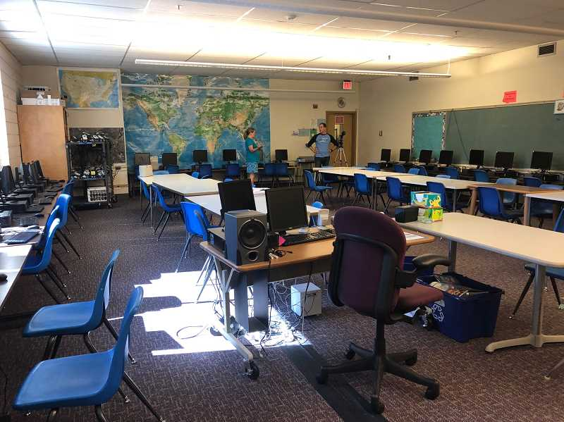 REVIEW PHOTO: CLAIRE HOLLEY - Lakeridge Junior High will use funds raised by the school's Parent Club to transform its computer lab into a 'Seeing/Making/Doing Space.'