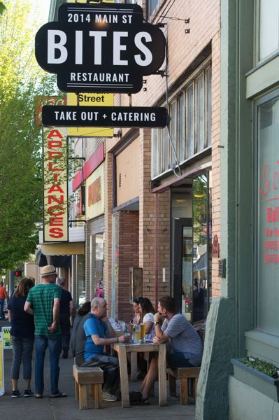 PAMPLIN MEDIA GROUP: FILE PHOTO - The restaurant sector generally sees the lowest-priced small businesses for sale. Restaurants made up 23 percent of the listings in Portland during Q3.