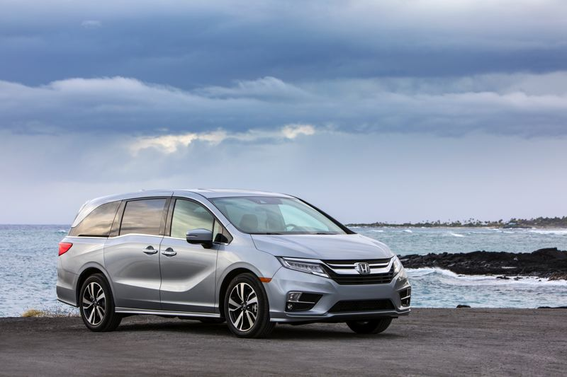 HONDA NORTH AMERICA - Even sharper styling punches up the visual appeal of the 2018 Honday Odyssey.