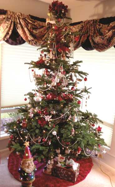 The Canby Herald Christmas tree contest is back.