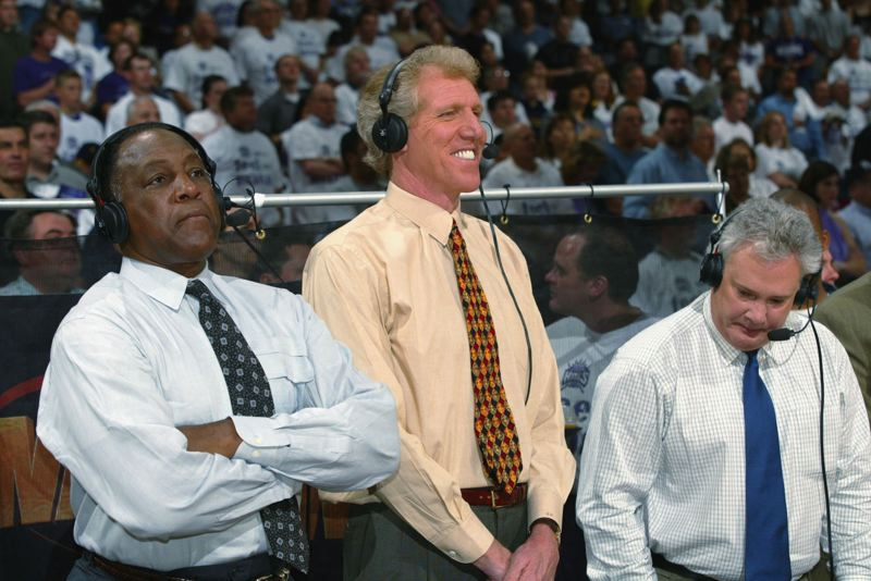 ROCKY WIDNER/GETTY IMAGES - Steve Jones (left) works a 2002 NBA game with Bill Walton and fellow broadcaster Tom Hammond.