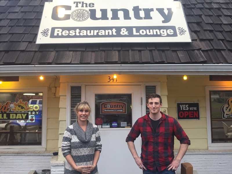 Estacada News Photo Emily Lindstrand Sherry And Cam Andrus Are The New Owners Of