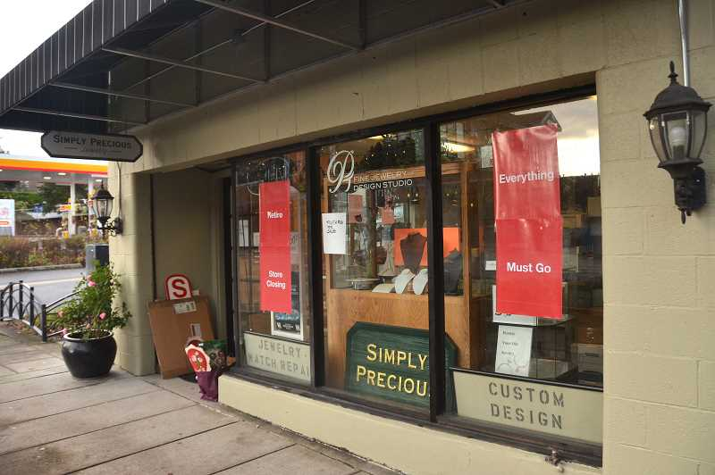 REVIEW PHOTO: VERN UYETAKE - Simply Precious Jewelry and Gifts on Second Street and A Avenue is closing because its owner is retiring.