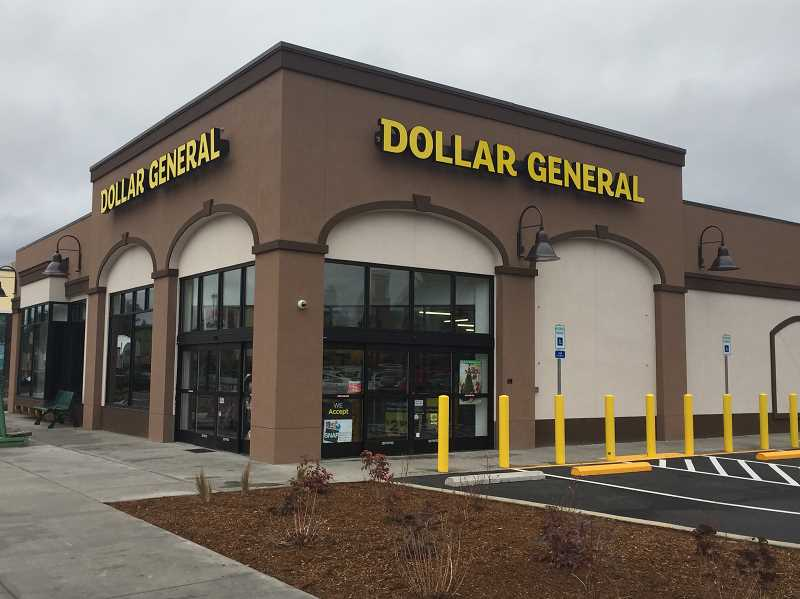 ESTACADA NEWS PHOTO: EMILY LINDSTRAND - Estacadas Dollar General store opened its doors for the first time on Monday, Dec. 18. A grand opening celebration is scheduled for next month.