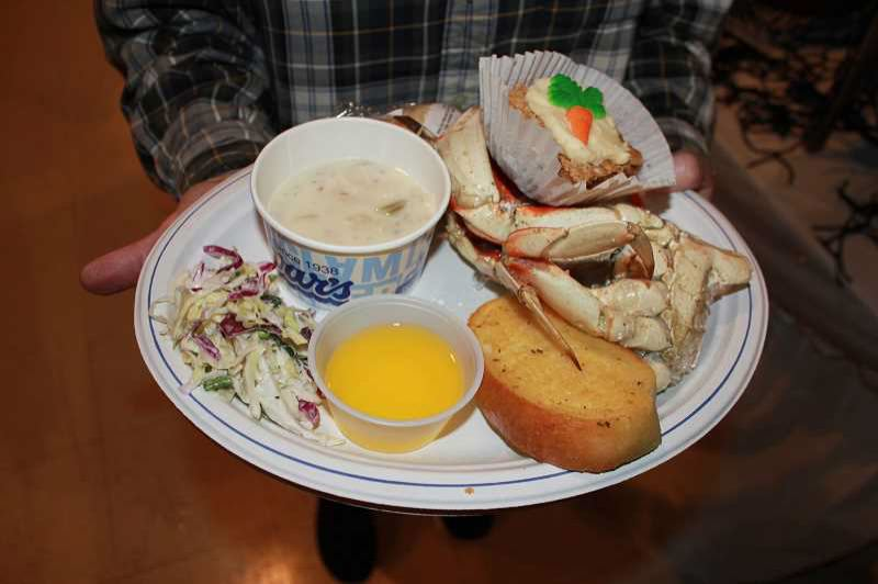 CONTRIBUTED PHOTO - The Hoodland Women's Club will host its ninth-annual crab feed fundraiser at 5:30 p.m. Saturday, Feb. 3, at the Mt. Hood Village RV Resort, 65000 E. Highway 26.