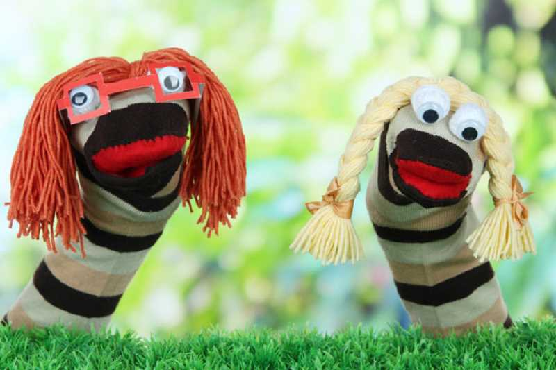 Learn how to make puppets at the Canby Public Library.