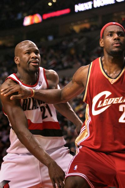 TRIBUNE FILE PHOTO: DAVID PLECHL - RUBEN PATTERSON (LEFT) WITH LEBRON JAMES