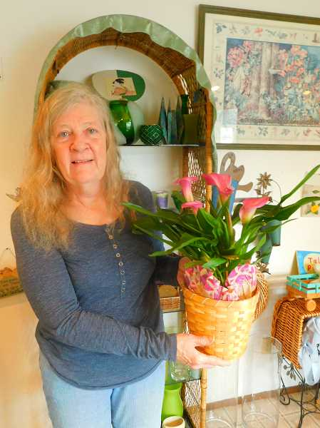 ESTACADA NEWS PHOTO: EMILY LINDSTRAND - Anne Peaslee of Anne's Flowers started her business during the Valentines Day season 16 years ago.