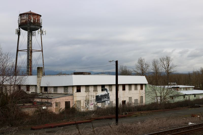OUTLOOK PHOTO: ZANE SPARLING - This urban renewal land will soon be owned by Troutdale City Hall.