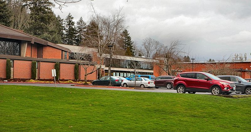 PAMPLIN MEDIA GROUP: DAVID F. ASHTON - This Southeast Portland campus, Warner Pacific College, announces it is now accredited as a university — and is cutting tuition rates by about $6,000.