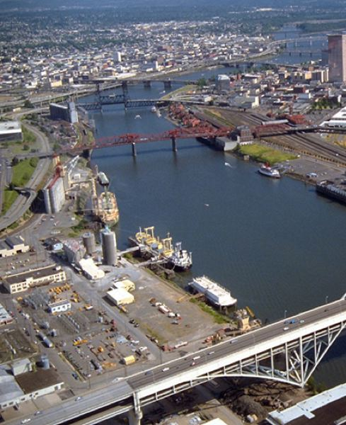 COURTESY: PORTLAND BUREAU OF ENVIRONMENTAL SERVICES - An aerial view shows the River Mile 11E toxic hot spot on the left.