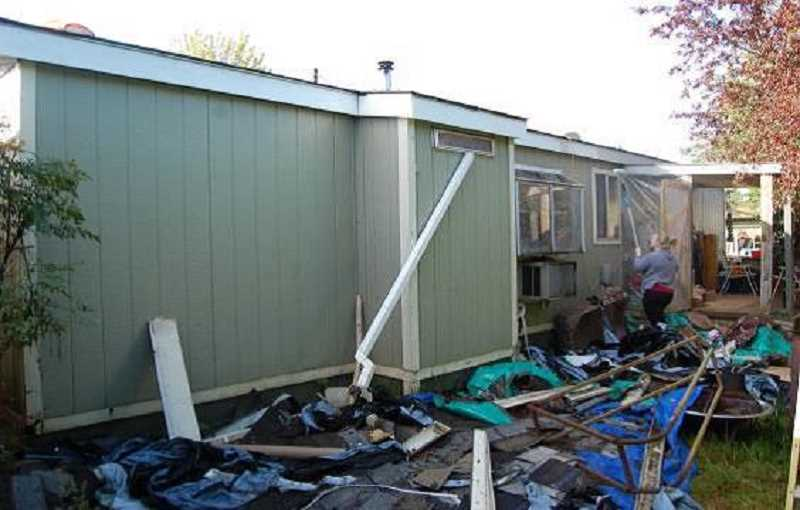 Fix It Forward in Molalla helps with home and yard repairs and renovations.