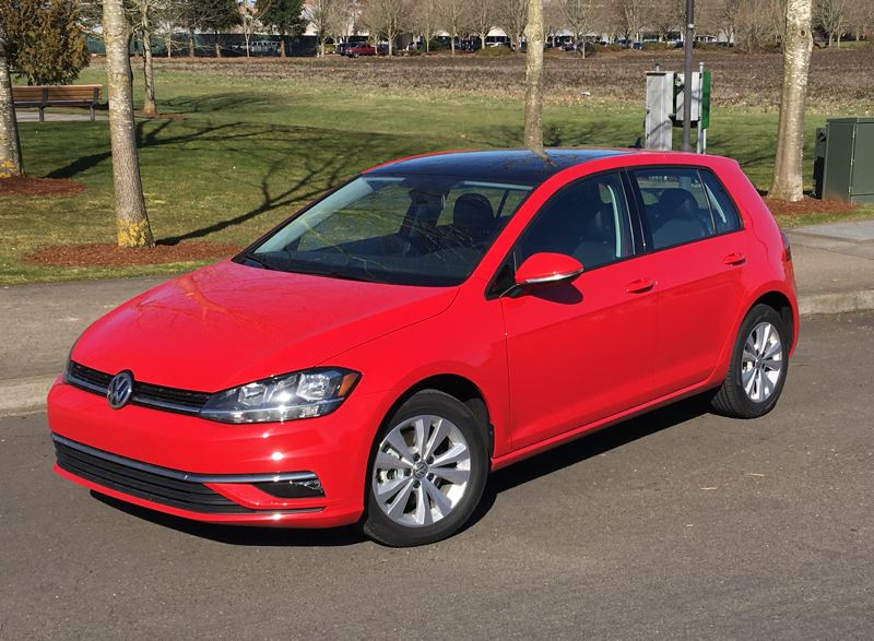 PORTLAND TRIBUNE: JEFF ZURSCHMEIDE - On the road, the Golf SE is seriously fun to drive. There is plenty of power under your foot and the car is tight and agile in corners.