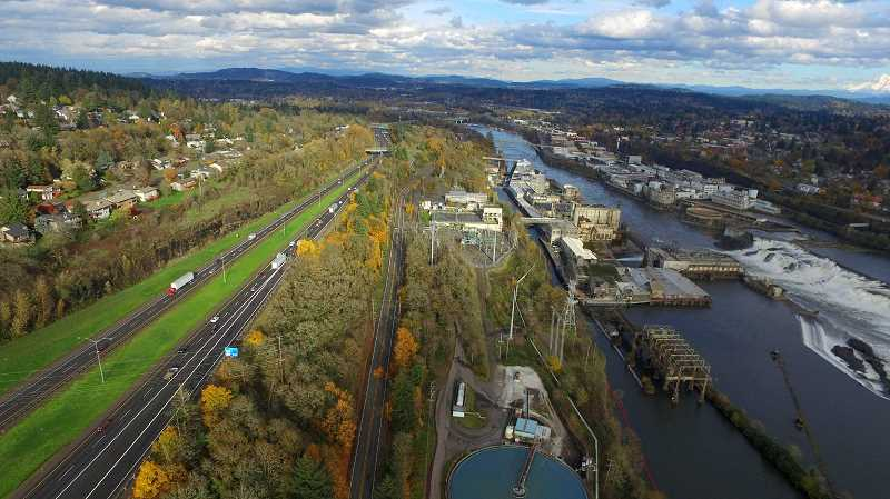 PAMPLIN MEDIA FILE PHOTO - Among the possible scenarios being evaluated by the Portland Metro Area Value Pricing Committee is a new tolled lane on I-205 running east-west from Stafford Road to the Abernethy Bridge.