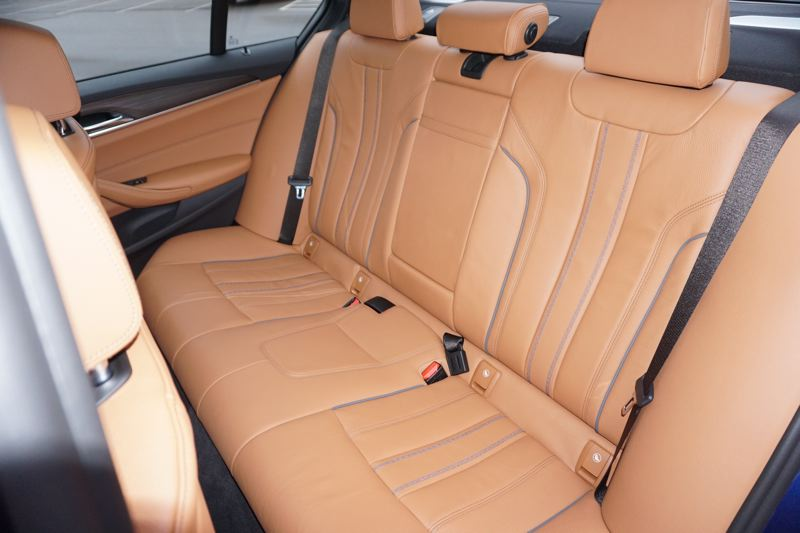 PORTLAND TRIBUNE: JEFF ZURSCHMEIDE - The BMW 550i xDrive can carry three adults in comfort and luxury in the back seats.