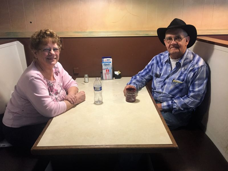 ESTACADA NEWS PHOTO: EMILY LINDSTRAND - Linda and Glen Parsons will remain at the helm of the Country Restaurant.