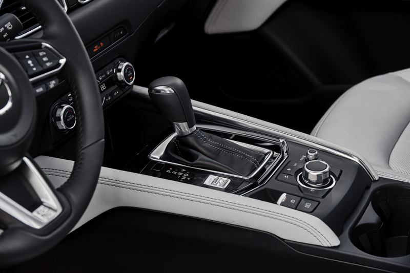 MAZDA NORTH AMERICAN OPERATIONS - The six-speed automatic transmission in the 2018 Mazda CX-5 features Sport and manual shift modes.