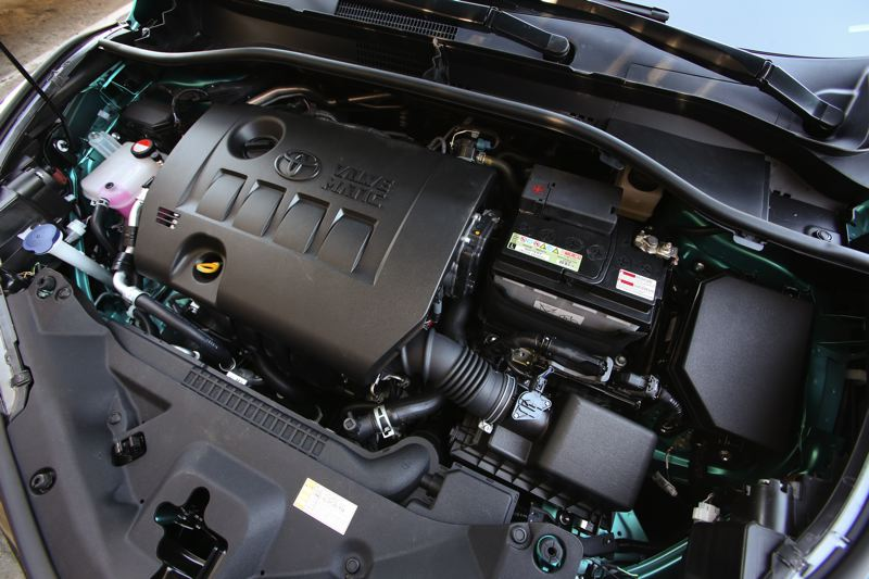 TOYOTA MOTOR CORP. - The 2.0-liter engine provides decent power and milege.