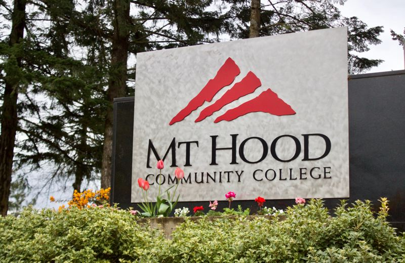 OUTLOOK PHOTO: CHRISTOPHER KEIZUR - Mt. Hood Community College working on its budget.