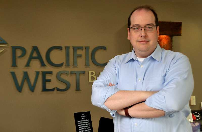 STAFF PHOTOS: VERN UYETAKE  - Bob Seibert will succeed Steve Gray as president and CEO of Pacific West Bank.