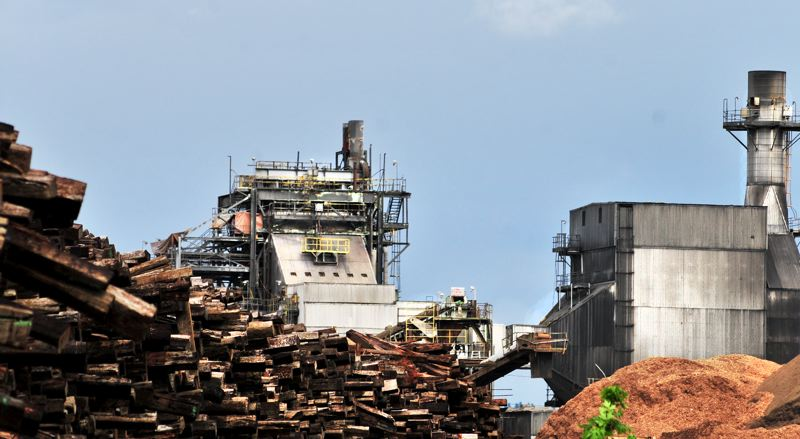 PAMPLIN MEDIA GROUP: GARY ALLEN  - Atlanta-based WestRock Co. bought this paper mill in Newberg in October 2015, then announced its closure two weeks later. A buyer is  interested in reopening the mill, utilizing as raw material the   recycled paper collected on Oregon curbsides. But WestRock insists the paper-making machinery be demolished as scrap metal.
