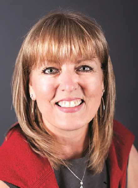 Kris Sallee has tossed her hat in the ring for the Aurora mayor's position.