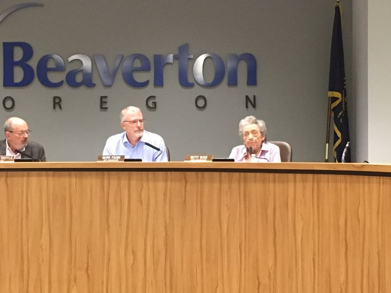 PAMPLIN MEDIA GROUP: PETER WONG - Beaverton City Councilor Betty Bode, right, appears in person Tuesday night to cast her vote and explain her reasons in favor of a ban on overnight car camping. Mayor Denny Doyle and Councilor Mark Fagin, left, hear her remarks.