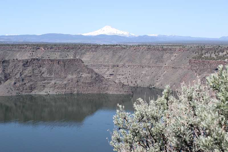 HOLLY M. GILL - The Oregon Health Authority has issued an advisory due to the presence of harmful algae (cyanobacteria) in the Metolius arm of Lake Billy Chinook.