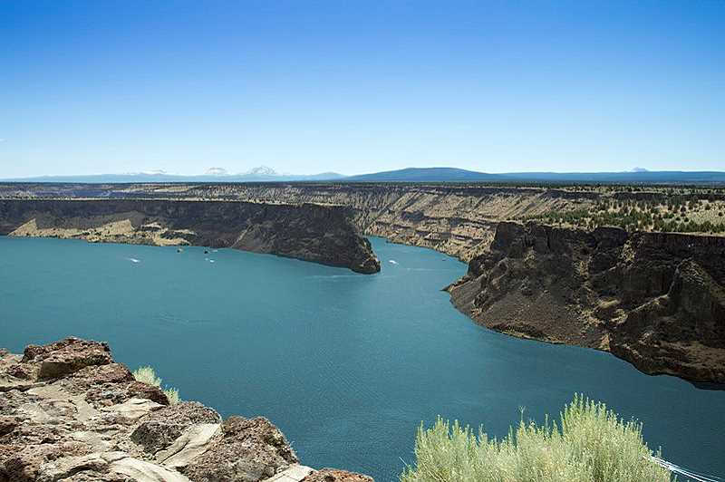 WIKIMEDIA COMMONS - Lake Billy Chinook has blue-green algae blooms in some areas.