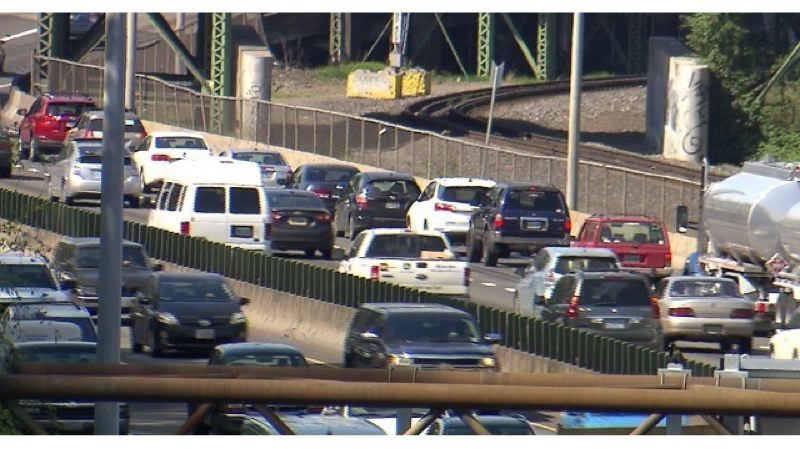 KOIN 6 NEWS - Freeway traffic in the Portland area.