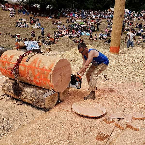 PIONEER PHOTO: CINDY FAMA - Pictured is Ellan Bundy's winning cut in the Stock Chain Race at Timberfest on July 4.