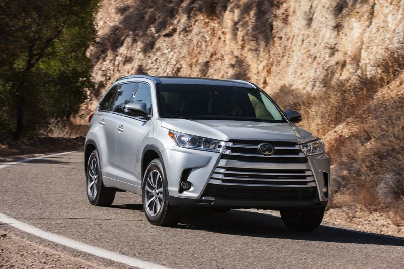 Toyota Motor Corporation The 2018 Highlander Is A Handsome Midsize Crossover Suv That