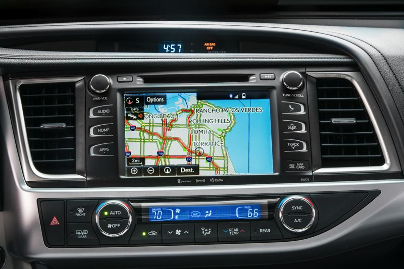TOYOTA MOTOR CORPORATION - The large infortainment screen in the 2018 Toyota Highlander is easy to read and use.