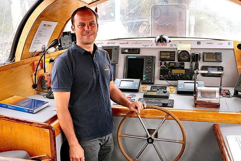 DAVID F. ASHTON - In the wheelhouse of the Tara Pacific, Captain Martan Hertau tells how this very large sailboat is operated.