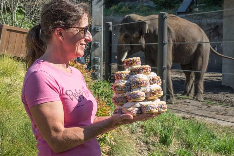 PHOTO BY KATHY STREET, COURTESY OF THE OREGON ZOO - Lisa Herlinger of Ruby Jewel serves up a pyramid of 'Samsonwiches.'