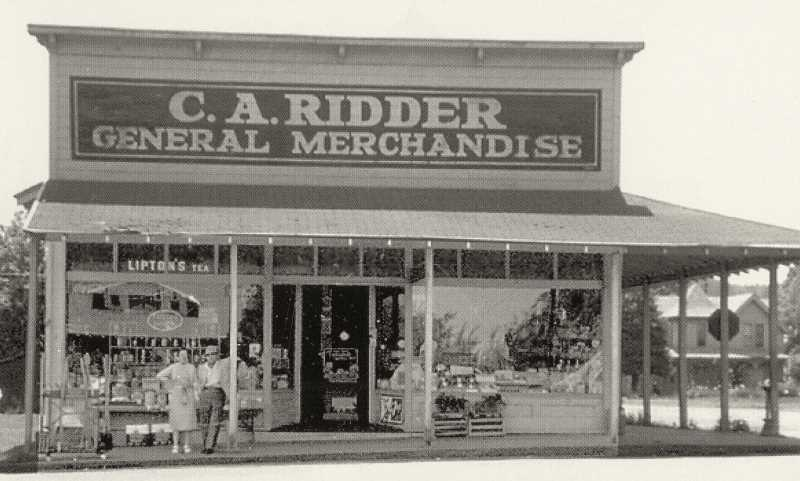 PHOTO COURTESY WEST LINN HISTORICAL SOCIETY - Ridder's General Store, circa 1963. Lil Cooperstown Grill now occupies this spot.
