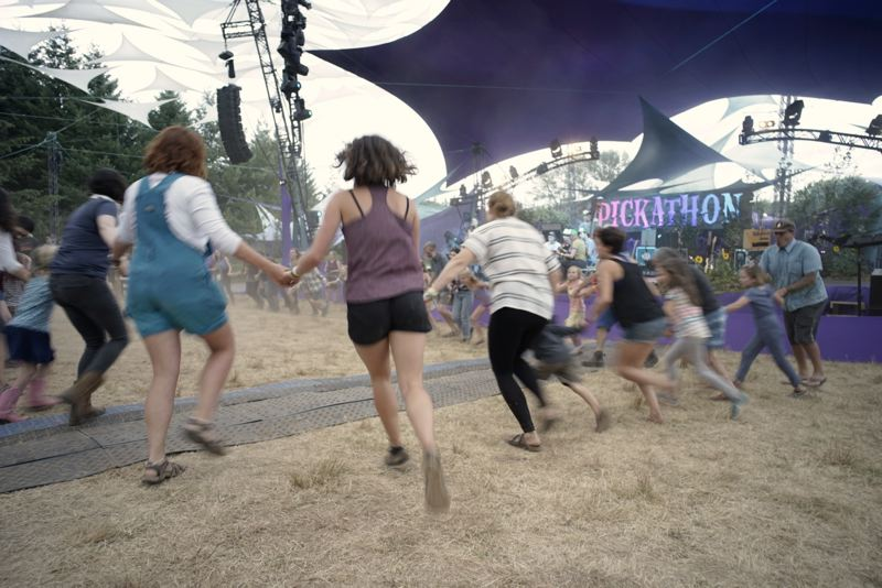 PAMPLIN MEDIA GROUP: KIT MACAVOY - Pickathon audience members were met with cool weather and hot music Thursday, Aug. 2, as the Happy Valley music festival opened.
