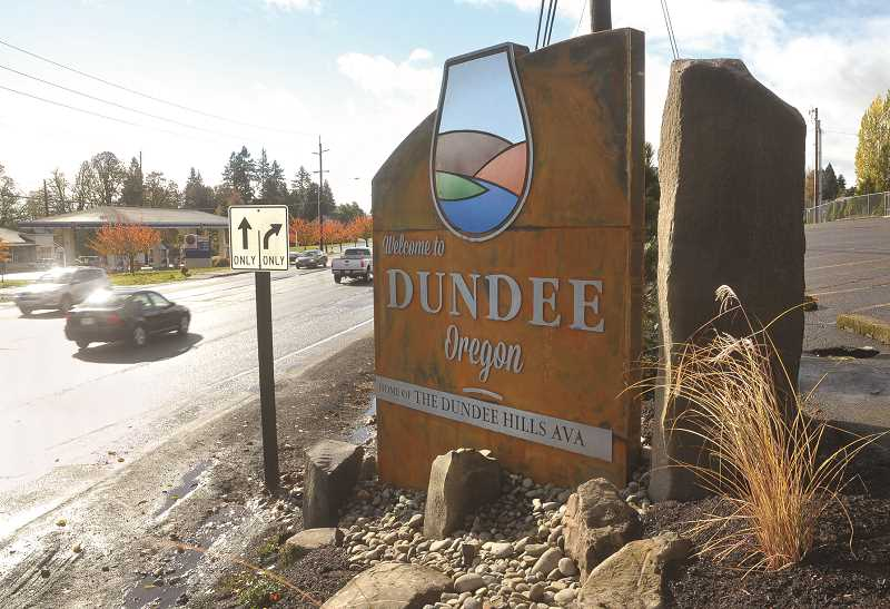 GRAPHIC FILE PHOTO - A recent survey found that Dundee residents are satisfied with city services, but added that the town's transportation system could be improved.
